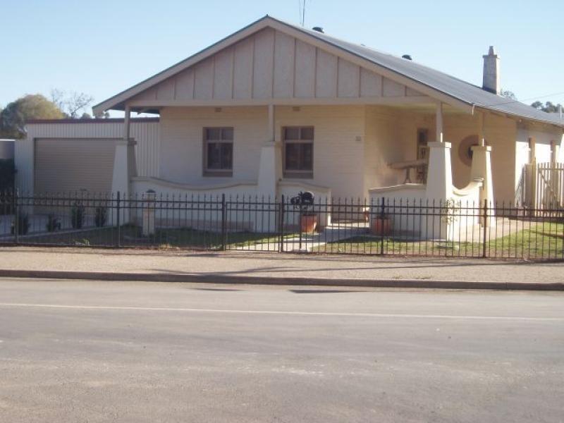 8 Vohr Street JAMESTOWN 5491, Jamestown SA 5491
