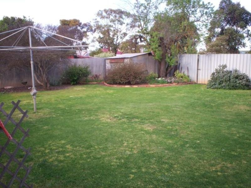 12 Mannanarie  Road JAMESTOWN 5491, Jamestown SA 5491