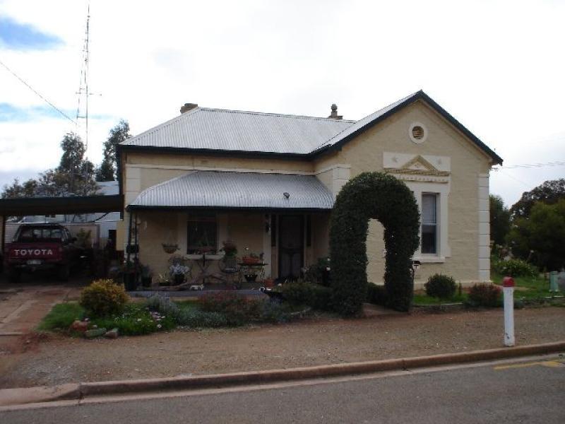 9 Dutton Street JAMESTOWN 5491, Jamestown SA 5491