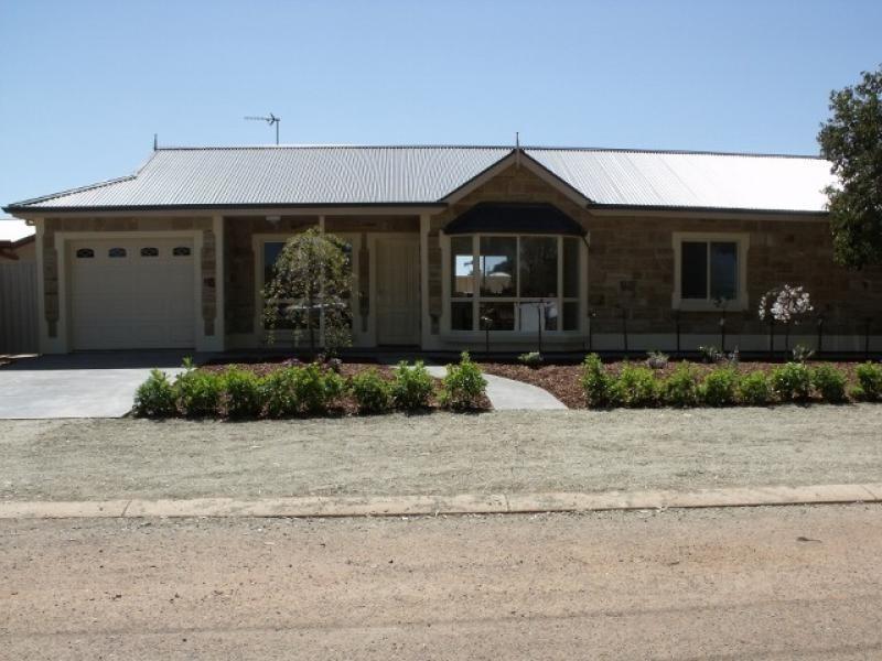 15 Cockburn Road JAMESTOWN 5491, Jamestown SA 5491