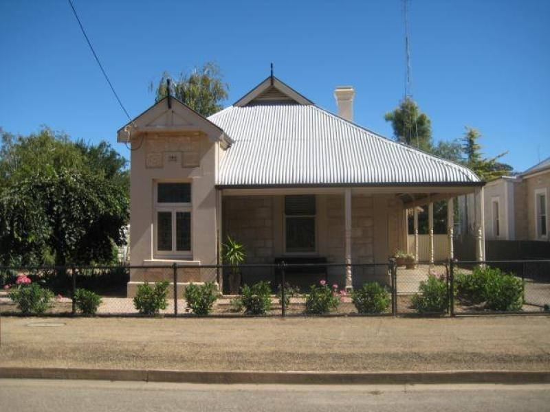 74 Irvine  Street JAMESTOWN 5491, Jamestown SA 5491