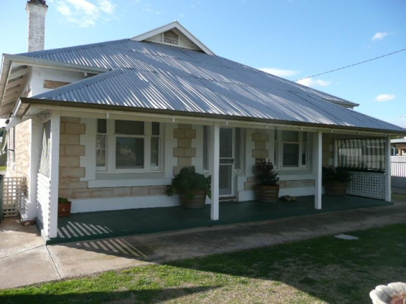 110 Ayr Street JAMESTOWN 5491, Jamestown SA 5491