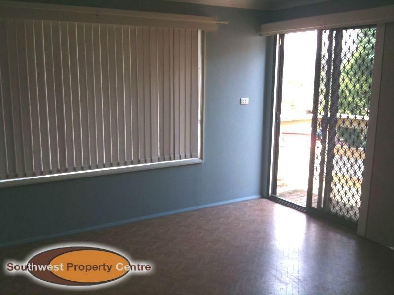 88 Crispsparkle Drive AMBARVALE 2560, Ambarvale NSW 2560