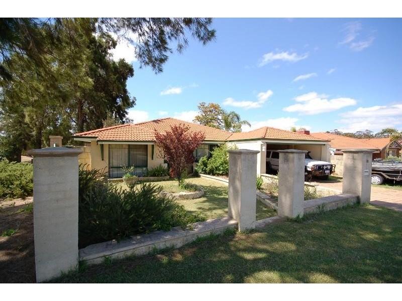 18 Mangrove Circuit, Banksia Grove WA 6031