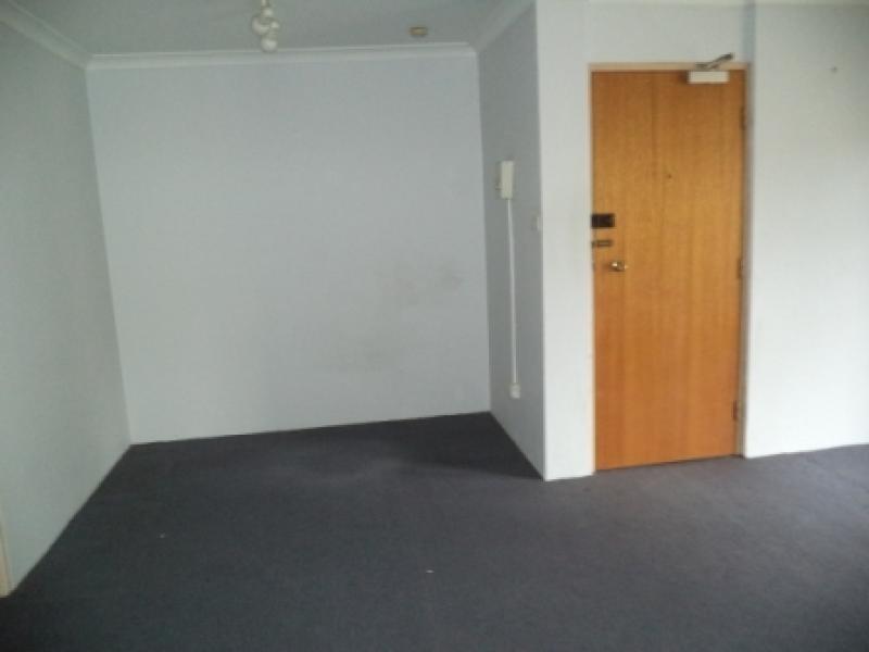 15/3 Mowatt Street, Queanbeyan NSW 2620