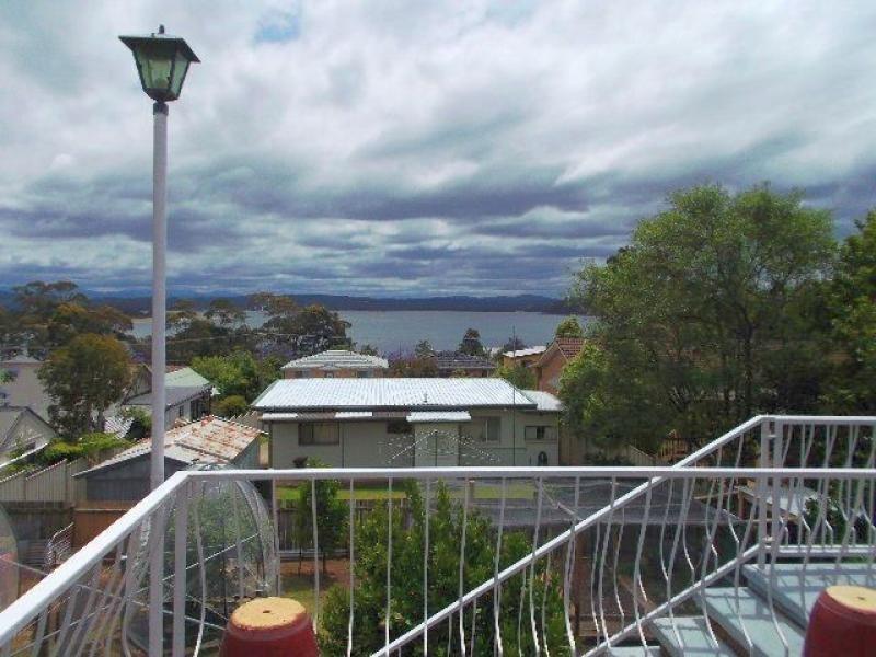 17 WATTLE Crescent, Batehaven NSW 2536