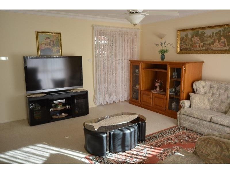 24 Train Street, Broulee NSW 2537