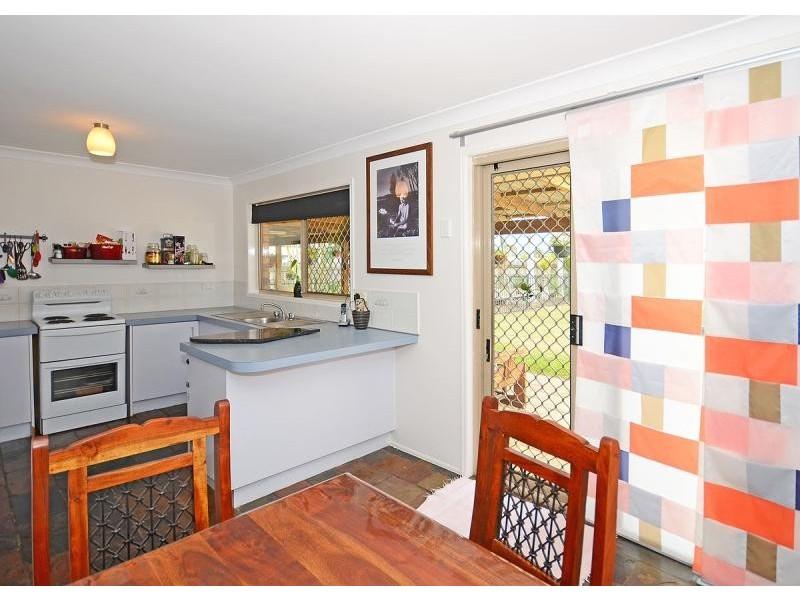 59 Banksia Street, Point Vernon QLD 4655