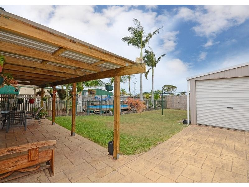 59 Banksia Street, Point Vernon QLD 4655