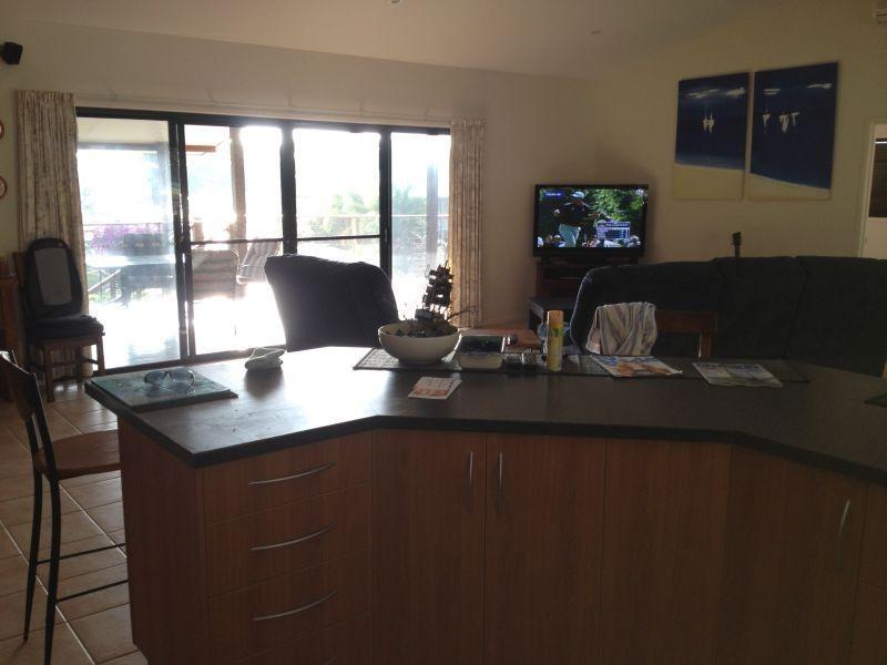 109 Gloucester Avenue HIDEAWAY BAY 4800, Hideaway Bay QLD 4800