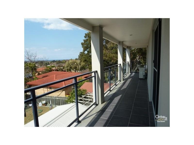 1 Loftus Drive, Barrack Heights NSW 2528