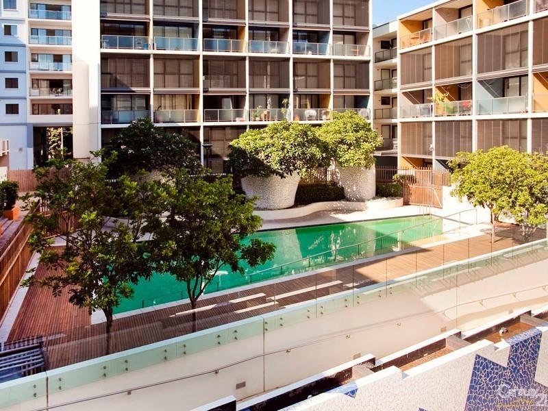 2-4 MANDIBLE STREET, Alexandria NSW 2015