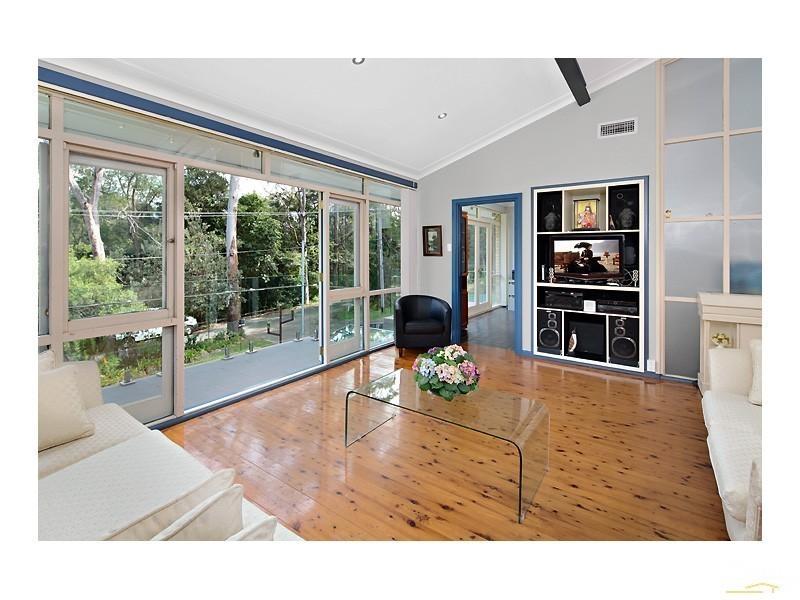 36 Castle Howard Rd, Cheltenham NSW 2119