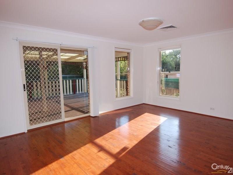 55b Thomas Wilkinson Ave, Dural NSW 2158