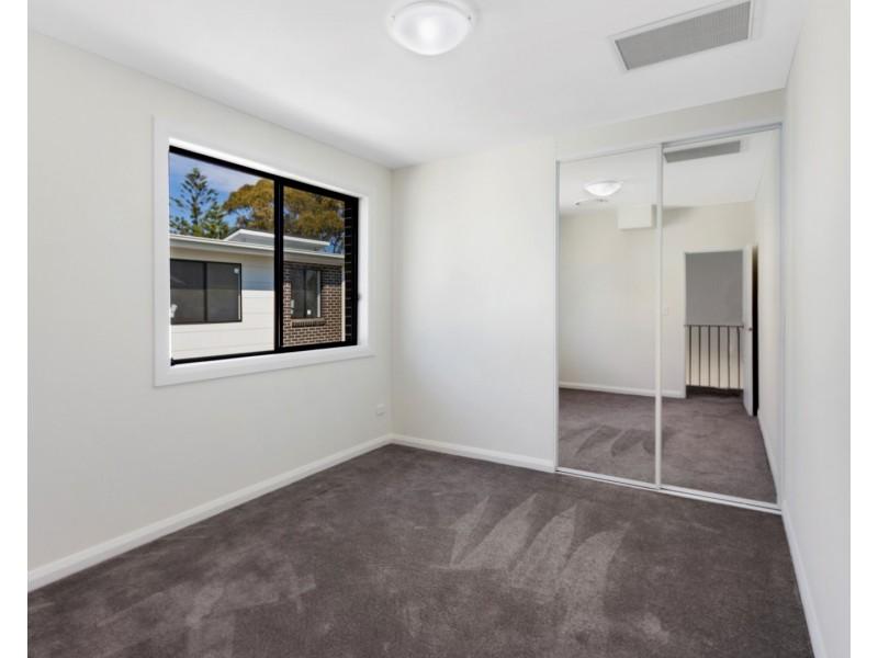 2/6  Crammond Boulevard, Caringbah NSW 2229