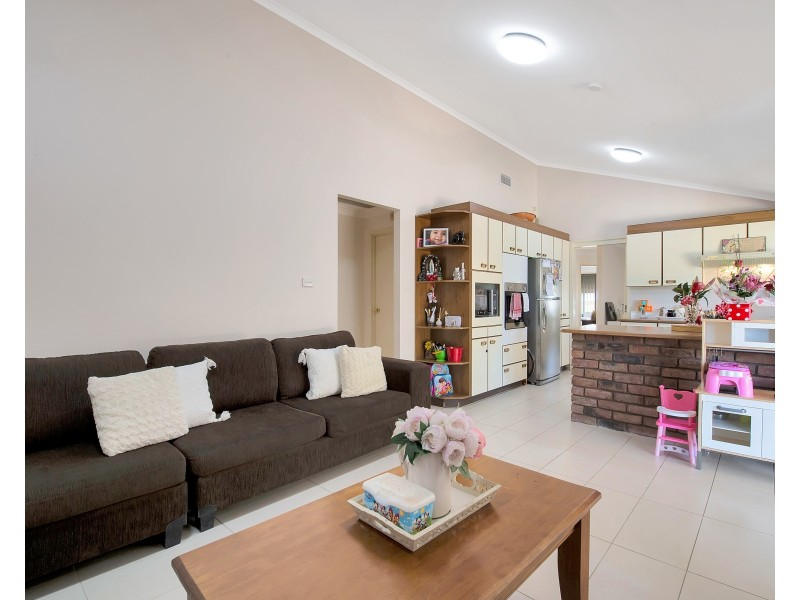 16 Woodman Place, Abbotsbury NSW 2176
