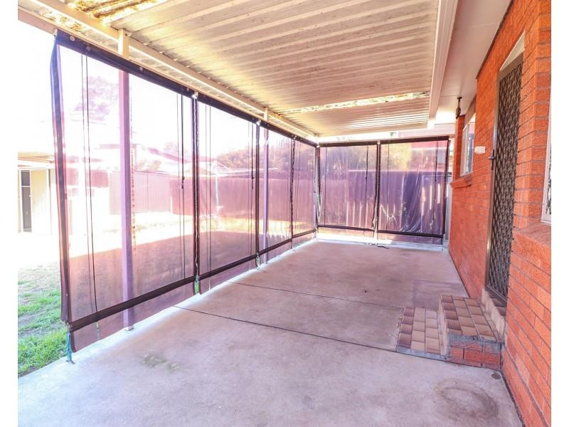 37 Amaroo Avenue, Georges Hall NSW 2198