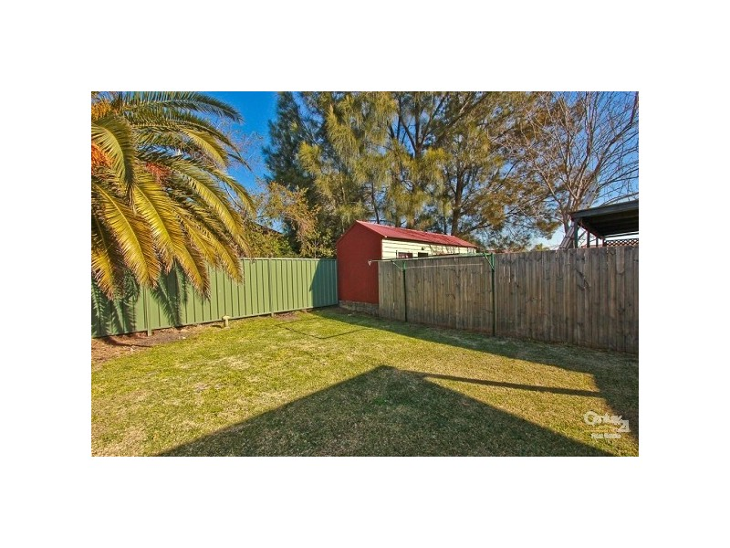 16 Robertson Street, Carrington NSW 2294