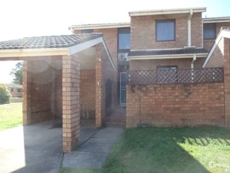 1/56 Woodhouse Drive, Ambarvale NSW 2560