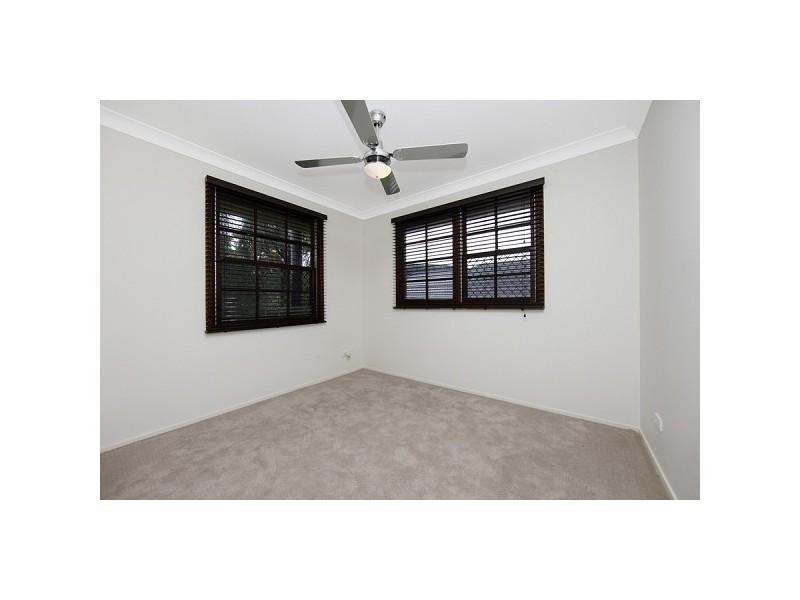 4 Fernleigh Loop, Adamstown Heights NSW 2289