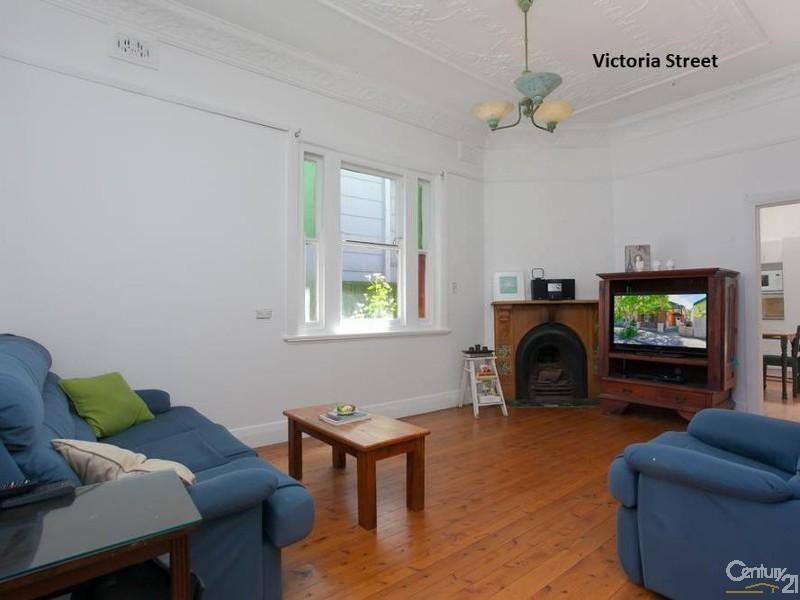 11 Victoria Street, Carrington NSW 2294