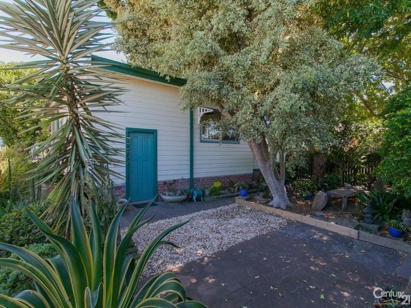 15 Edden Street, Adamstown NSW 2289