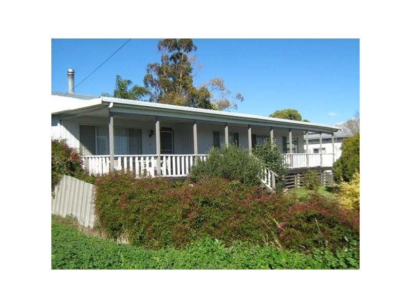 34 Mount Street, Aberdeen NSW 2336