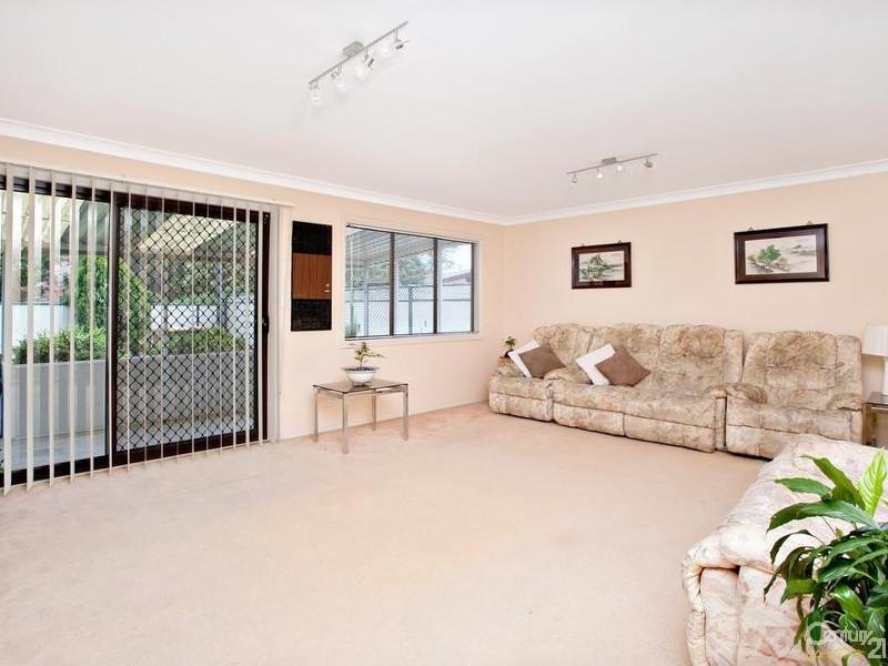 10 Daffodil Place, Marayong NSW 2148