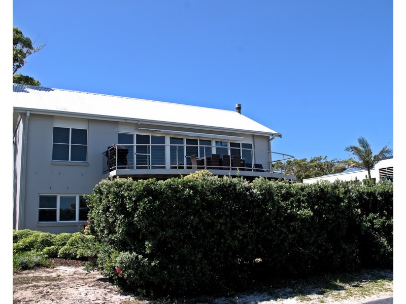 89 The Boulevarde, Hawks Nest NSW 2324