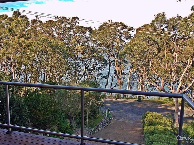 15 The Esplanade, North Arm Cove NSW 2324