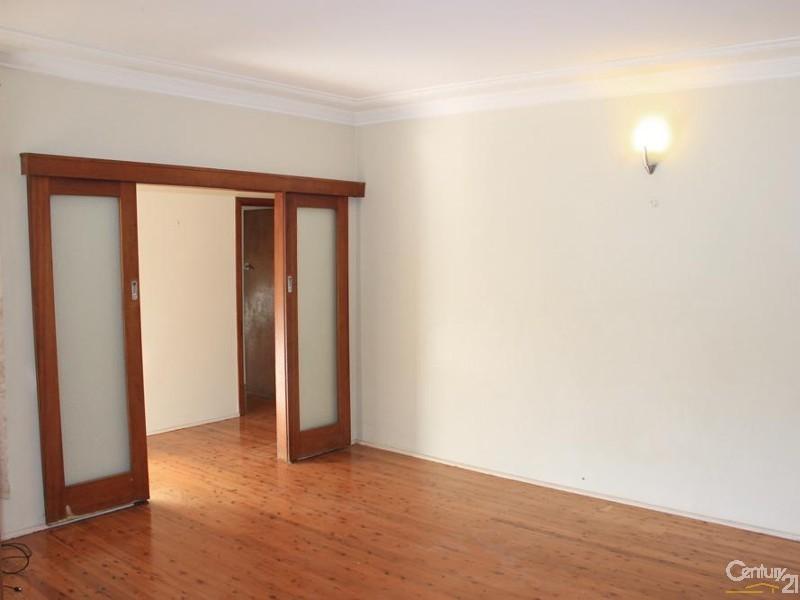 18 Wambool Street, Turramurra NSW 2074