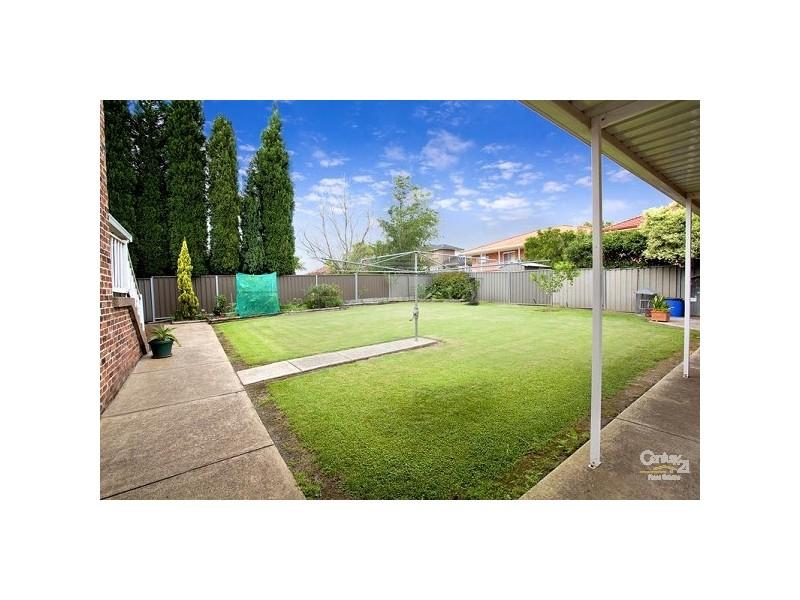 15 Falmer Street, Abbotsbury NSW 2176
