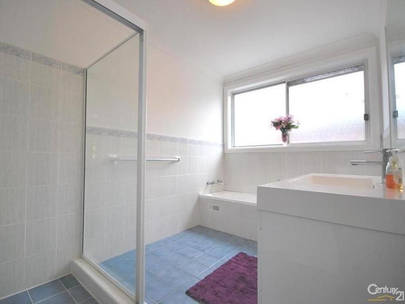 14 Comin Place, Abbotsbury NSW 2176
