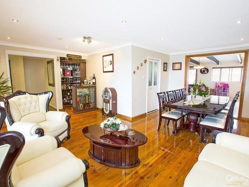 8 Canterbury Road, St Johns Park NSW 2176