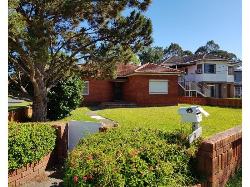 Fairfield NSW 2165