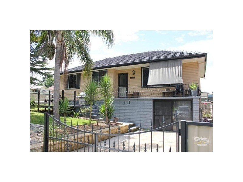 24 Cooma Street, Abermain NSW 2326