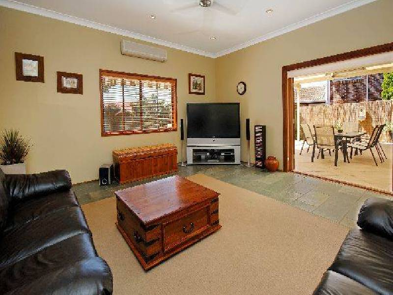 2 Mahogany Close, Alfords Point NSW 2234