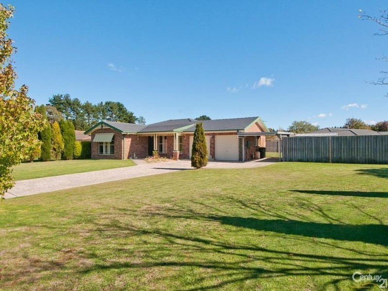 2 Rain Tree Way, Bowral NSW 2576