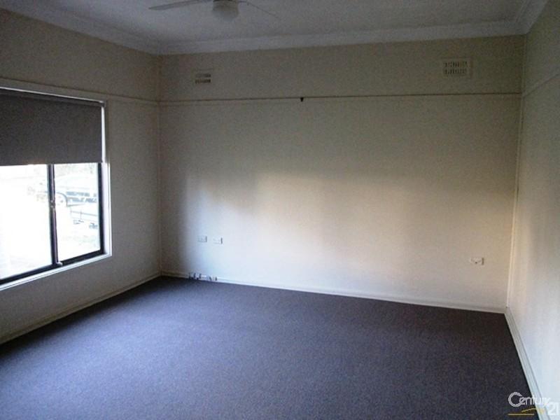 5 Markham Avenue, Penrith NSW 2750