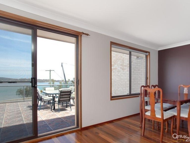 2/348 The Esplanade, Speers Point NSW 2284