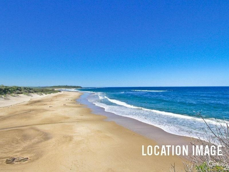 11 Village Grove, Caves Beach NSW 2281