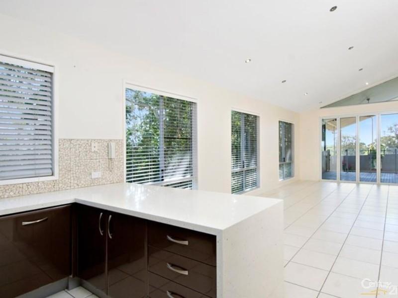 78 Tantula Road West, Alexandra Headland QLD 4572