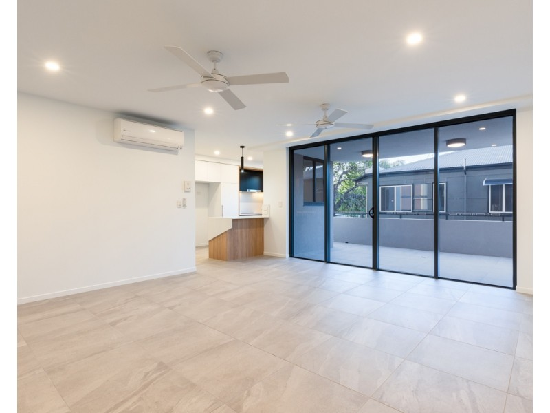 49 Duporth Avenue, Maroochydore QLD 4558