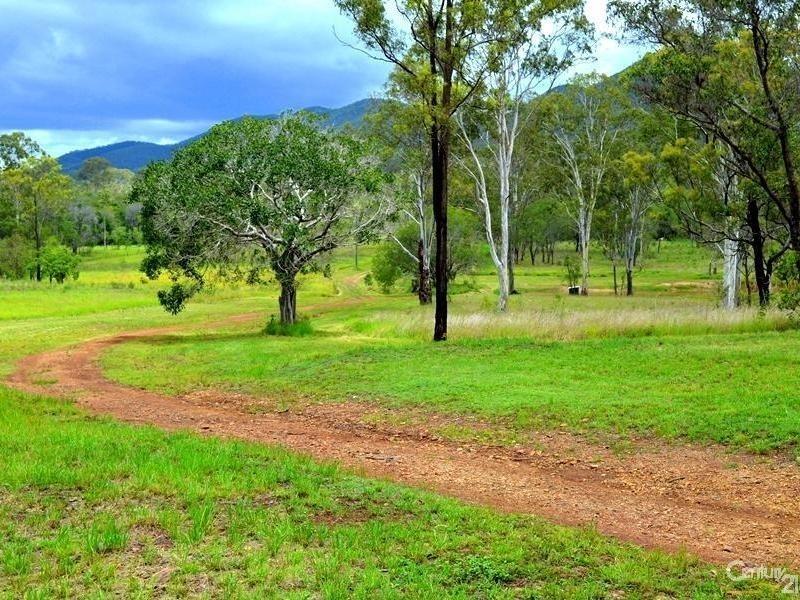 2374 Fingerboard Road, Mount Tom QLD 4677