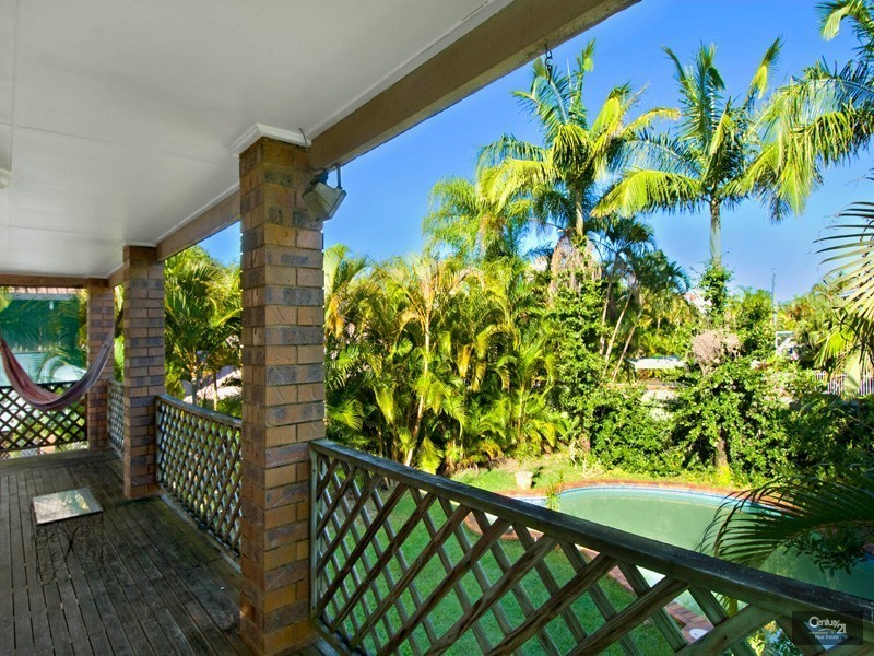 27 Okinja Road, Alexandra Headland QLD 4572
