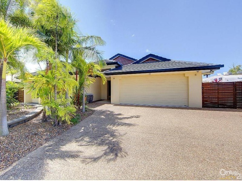 27 DUNGURRA PLACE, Bushland Beach QLD 4818