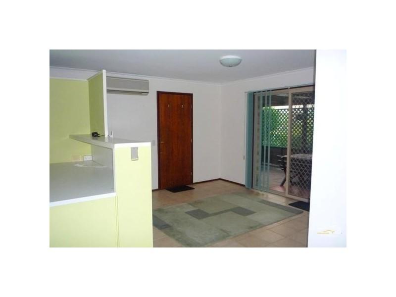 2/26 Kangaroo Ave, Coombabah QLD 4216