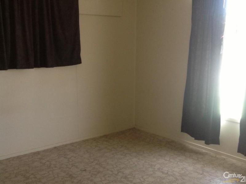 2/63 Littlefield Street, Blackwater QLD 4717