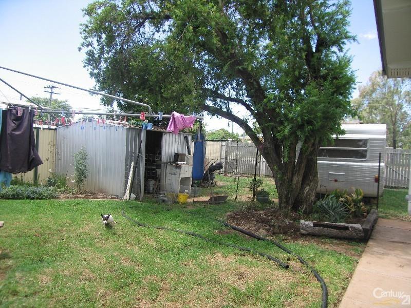 3 Oak Street, Blackwater QLD 4717