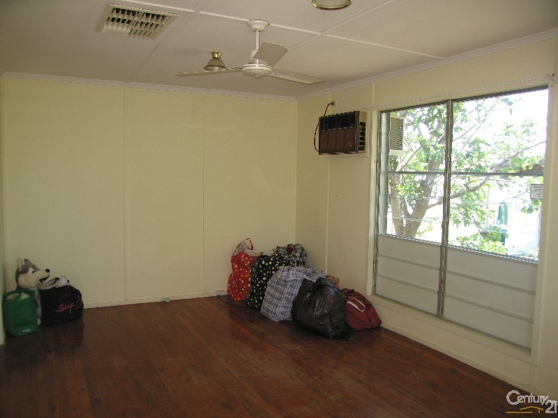 22 Long Street, Blackwater QLD 4717